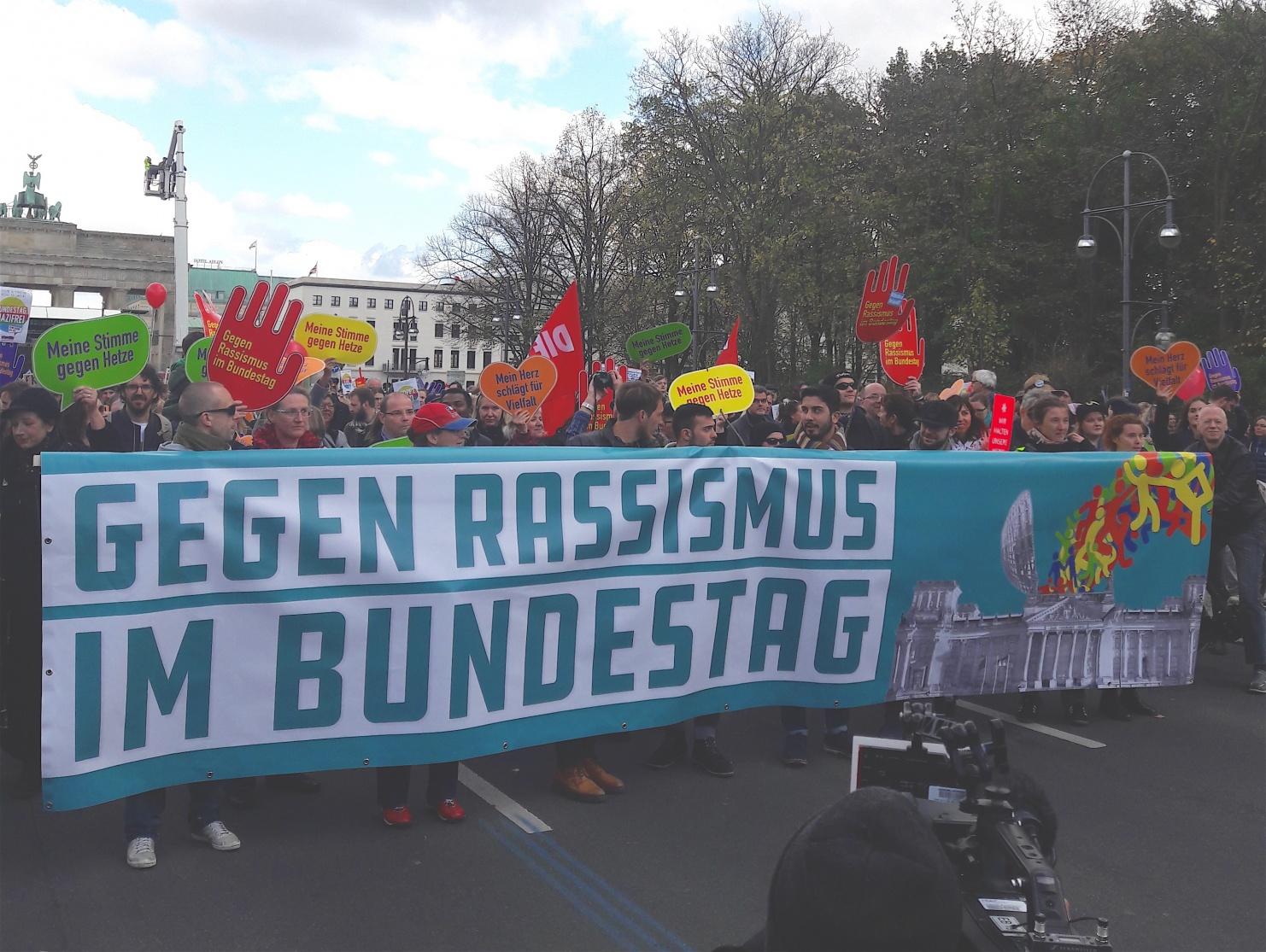 Gegen Rassismus im Bundestag Demo © Lena Högemann